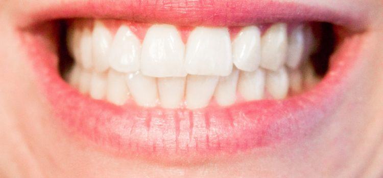 Warum knirschen manche mit den Zähnen?